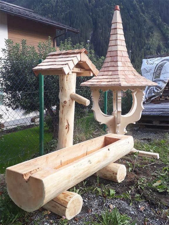 Brunnen und Glockenturm